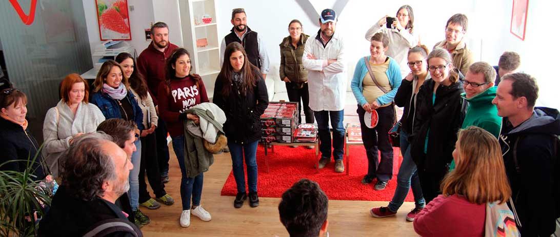 """Cuna de Platero participa en la primera edición de la """"Berry School"""" para el estudio de variedades de fresas"""