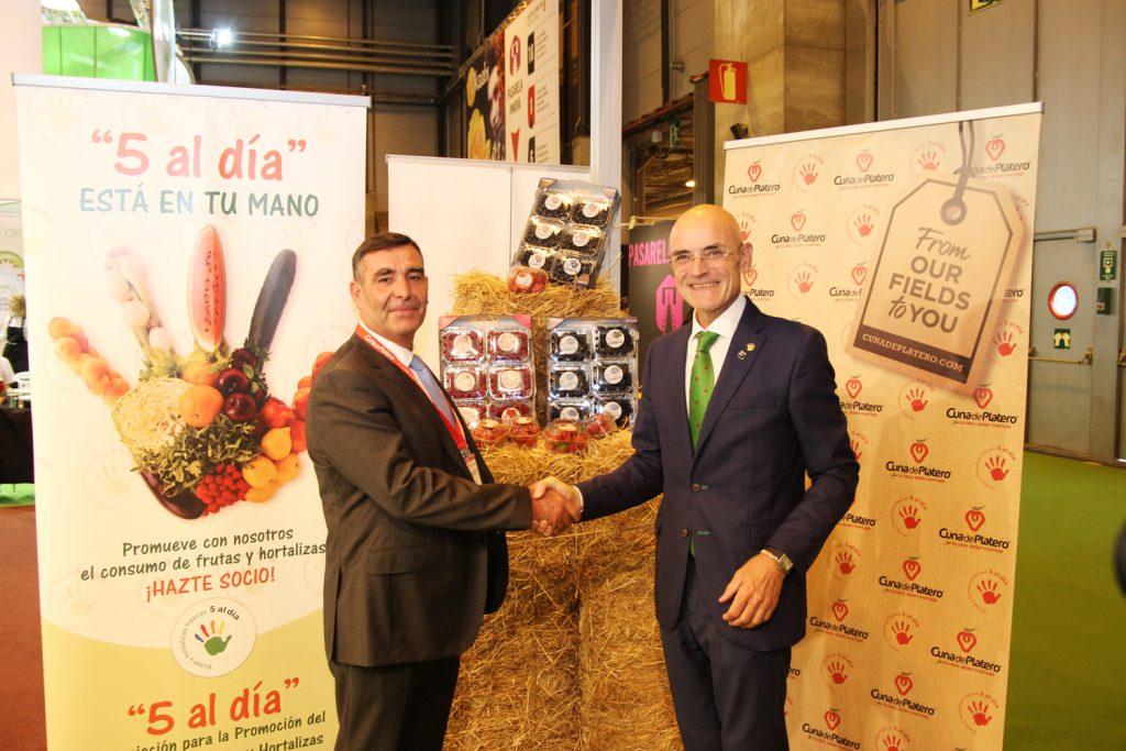 """Cuna de Platero se adhiere a """"5 al día"""" para fomentar la difusión del consumo saludable de frutos rojos"""