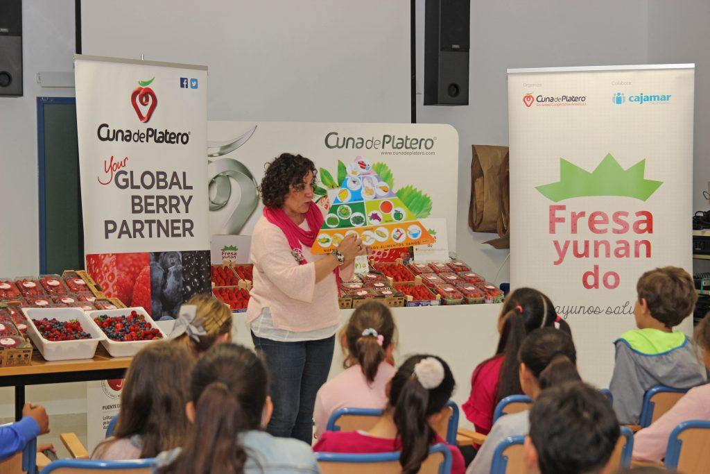 """Cuna de Platero acerca la cuarta edición de su programa de educación alimentaria """"Fresayunando"""" a 2.500 niños"""