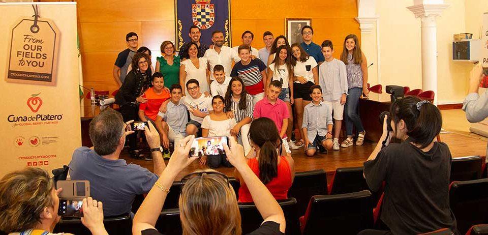 Cuna de Platero clausura 'Brújula' con un debate sobre si Huelva tiene sitio para los jóvenes de hoy
