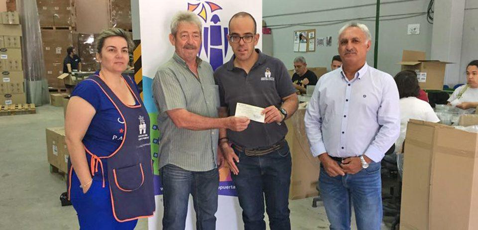 """Cuna de Platero entrega su colaboración anual a la Asociación """"Abriendo Puertas"""" de Moguer"""