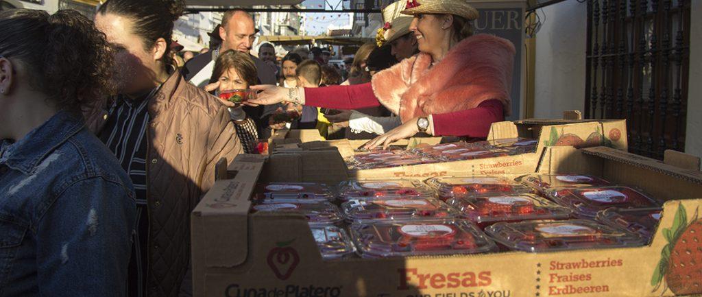 Cuna de Platero repartirá frutos rojos en la Feria 1900 de Moguer